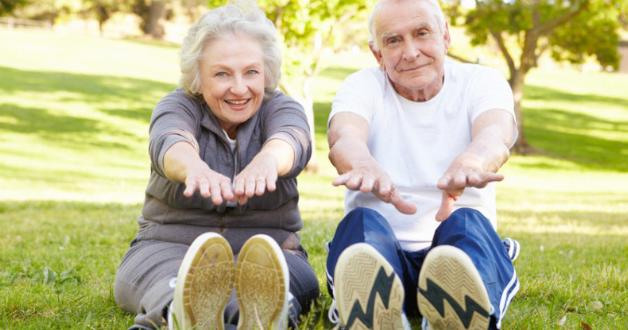 glückliche ältere Menschen