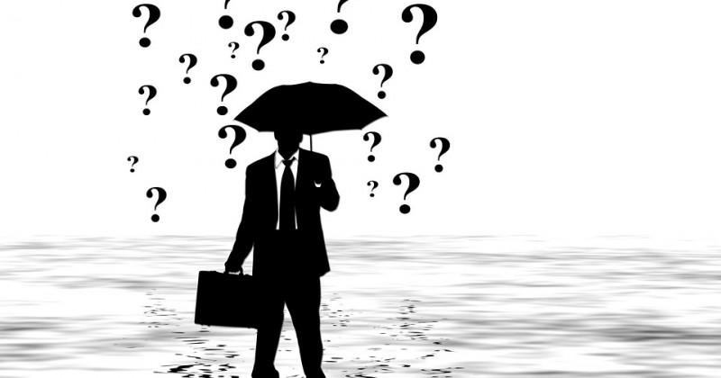 Geschäftsmann Silhouette mit Fragezeichen