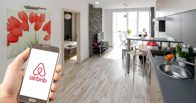 Hand, Telefon, Zuhause, Airbnb App