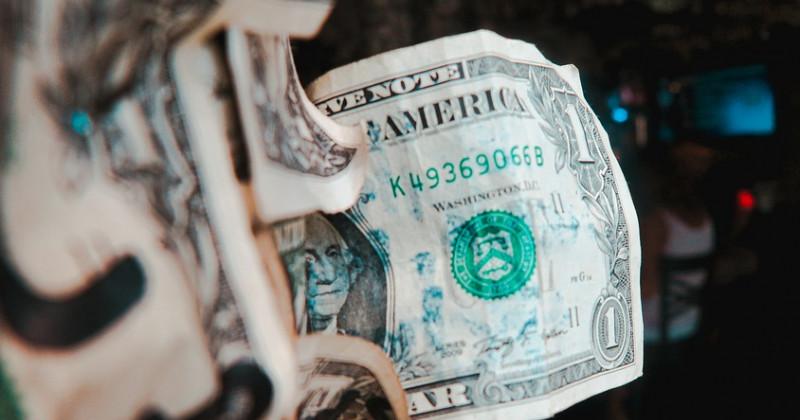 Verkrümelter Dollar
