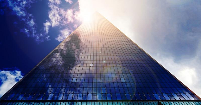 Wolkenkratzer-Verglasung