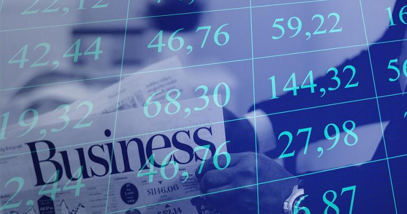 Zahlen in einer Tabelle und Journal Business