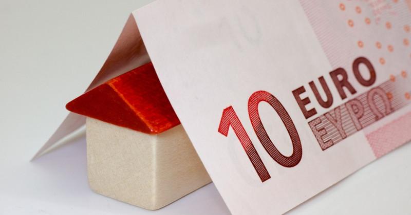 Zehn Euro Ticket und Hütte